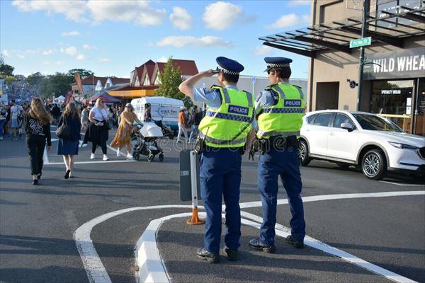 オークランドは慢性的に警官不足