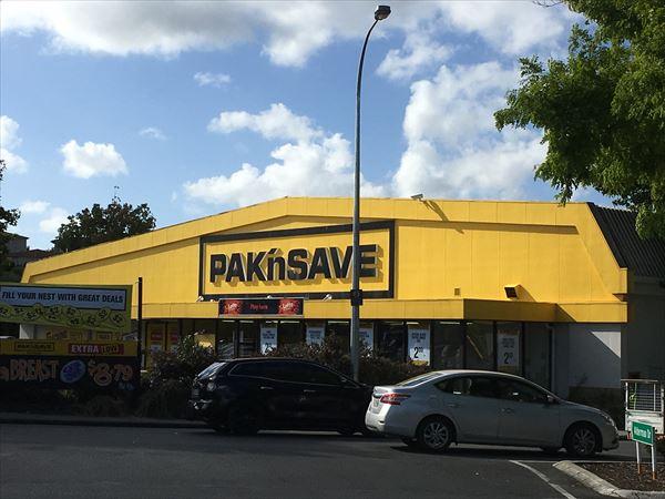 ニュージーランドのスーパーには日本食材のコーナーが有る