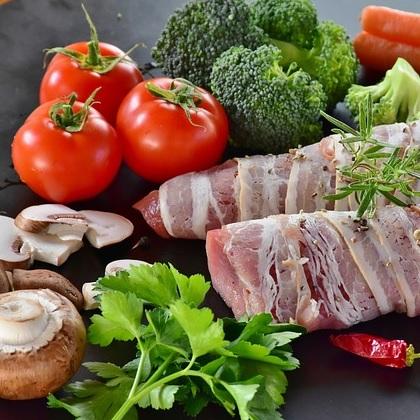 ニュージーランドの食費の平均