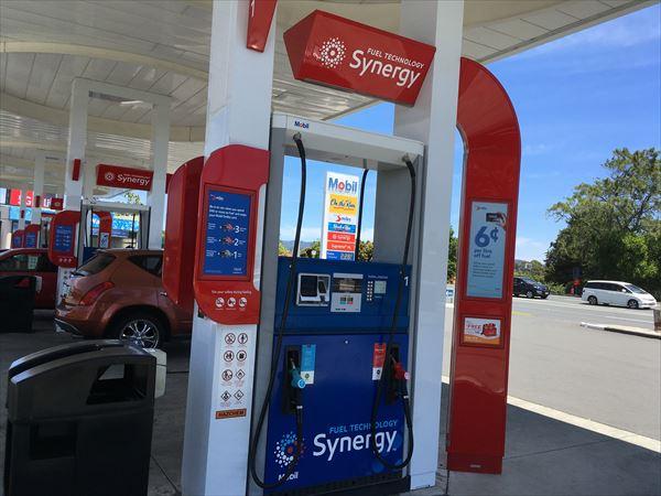 ガソリンスタンドの給油装置