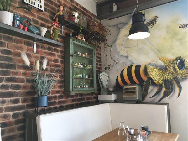 HALRAN PEPPERのカフェの内装