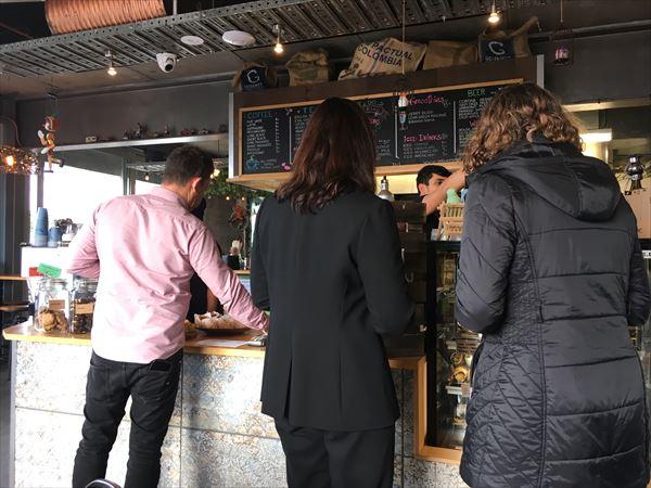 イーデンテラスのカフェへのアクセス