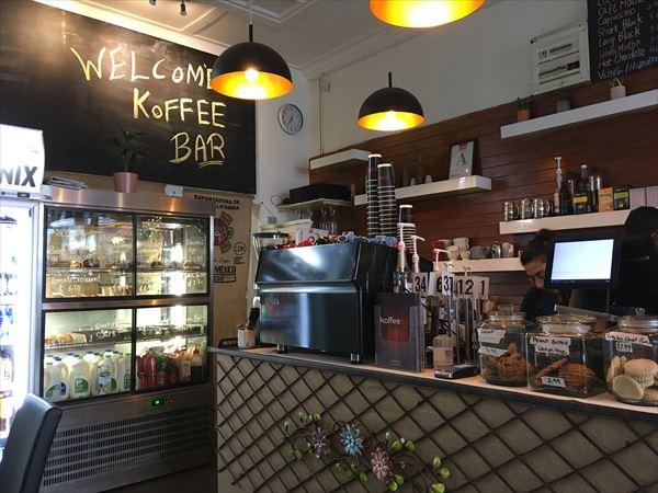 オークランドのカフェには無料wifiは欲しい 笑