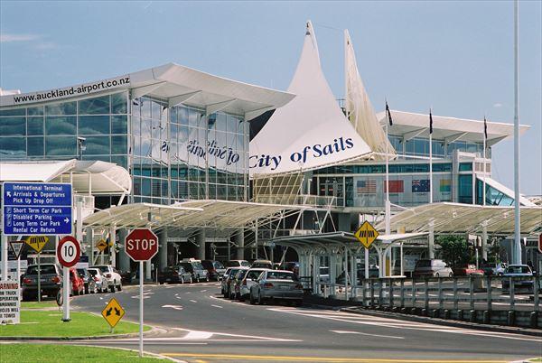 オークランド空港から市内へのアクセス